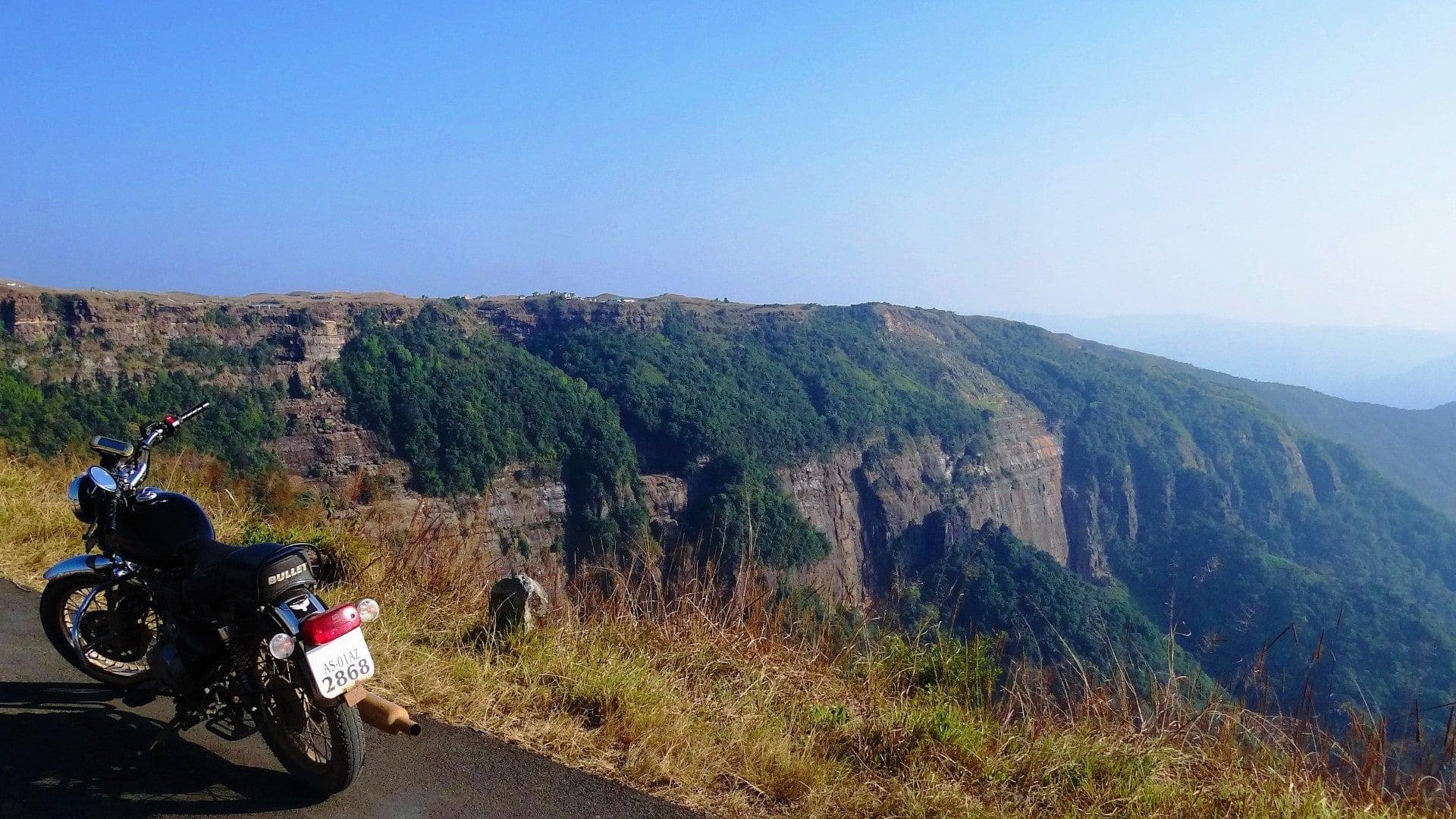 Voyage Moto – Road Trip en Royal Enfield – Inde du nord est